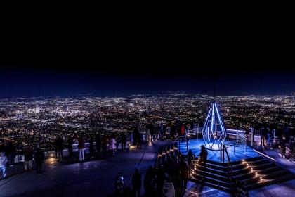 【もいわ山】山頂展望台に広がる大パノラマ 日本屈指の夜景で愛を誓い合う