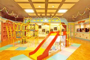 赤ちゃん水族館「一緒に遊ぼうゾーン」内観